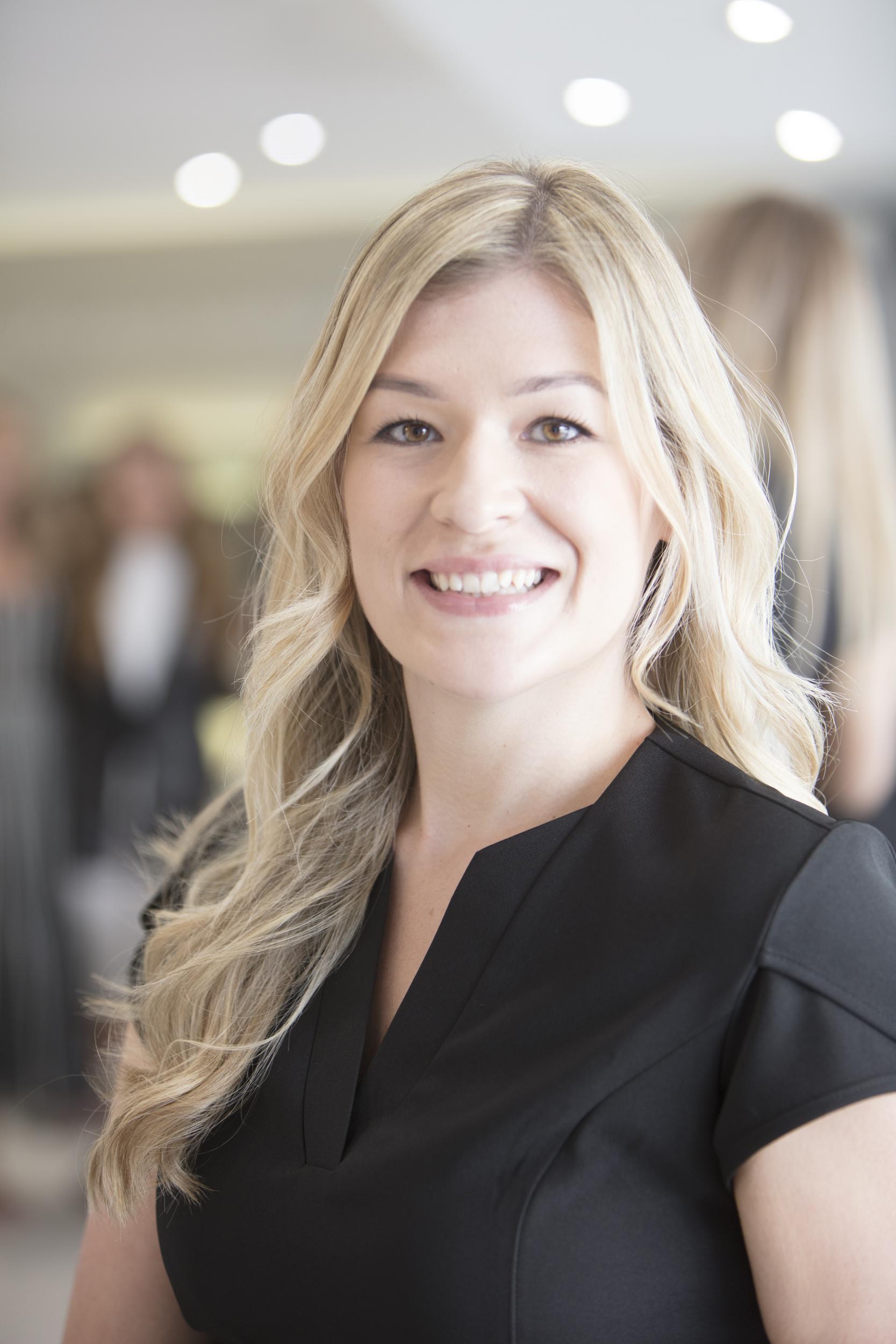 Laura C : Senior Beauty Specialist